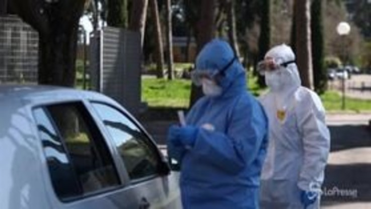 Coronavirus, a Roma parte la sperimentazione dei tamponi senza scendere dall'auto