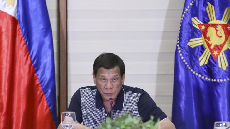 Coronavirus,  nelle Filippine il presidente Duterte ordina di sparare a chi viola le misure