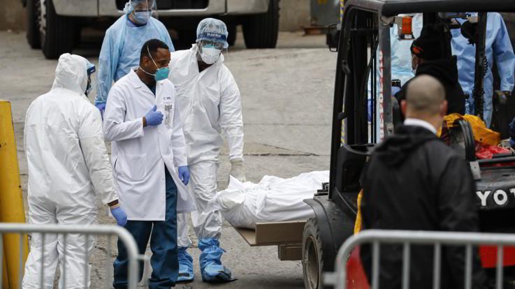 Coronavirus, oltre 3mila morti a New York: la Casa Bianca pensa a 'mascherine' per tutti