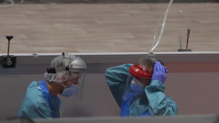 Coronavirus, in Spagna 12mila morti, prorogato stato di allerta