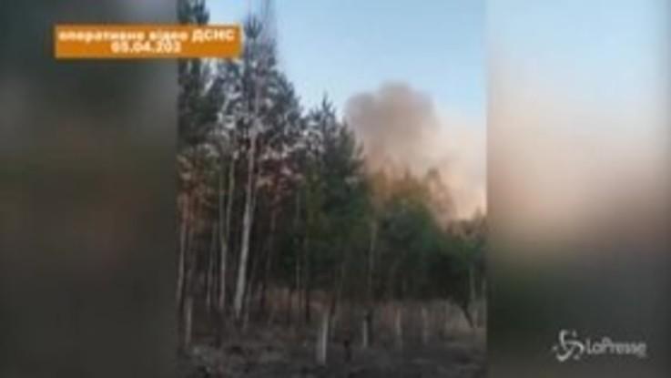 Ucraina, incendio nella foresta vicino Chernobyl: sale il livello di radiazioni
