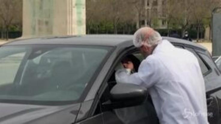 Coronavirus, Francia: test rapidi dall'auto