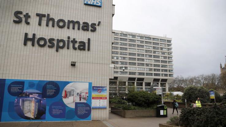 Coronavirus, Choc in Gran Bretagna: Johnson in terapia intensiva. Contagio frena ancora in Spagna