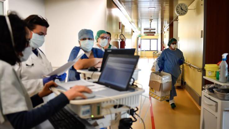 Coronavirus, 6594 infermieri contagiati e 26 morti