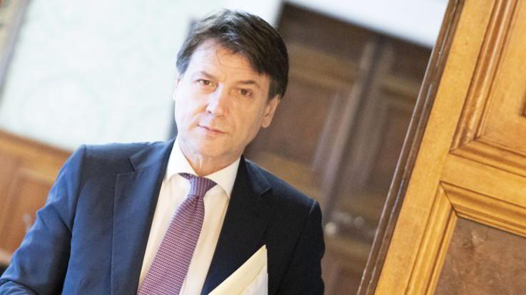 """Eurobond, Conte alza la voce: """"Allentare regole di bilancio o faremo a meno dell'Europa"""""""