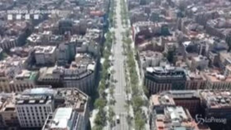 Coronavirus, drone su Barcellona: la vita si è fermata