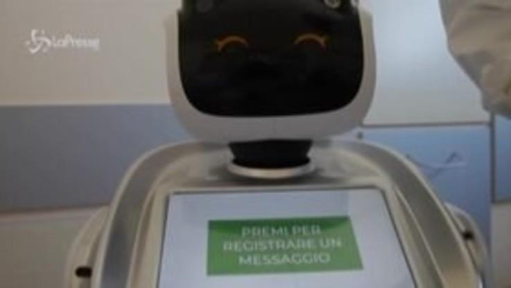 Coronavirus, 7 robot aiutano i medici dell'ospedale di Varese