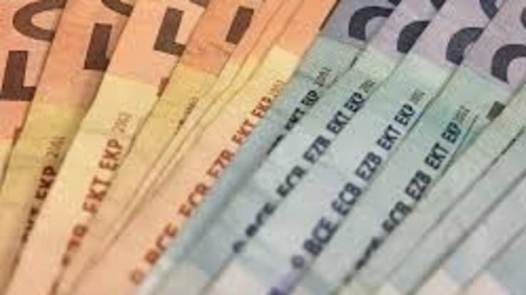 Decreto Liquidità, cambia bonus 600 euro. E' polemica. Casse: Stop a erogazione