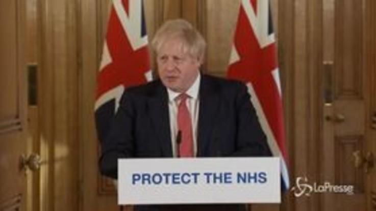 """Coronavirus, Boris Johnson dimesso. Von der Leyen: """"Anziani isolati fino a fine anno"""""""