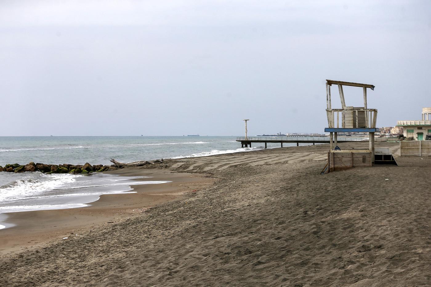Coronavirus, Estate senza spiaggia: Cancellata 1 prenotazione su 3