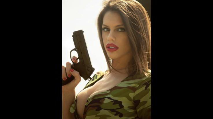Sexy-Instagram-Antonella-Fiordelisi-sexy-killer, mortale di cappa e di spada