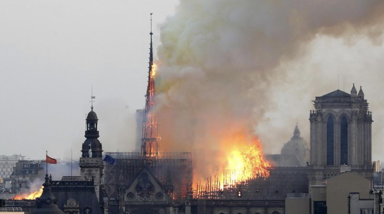 Notre-Dame, un anno dopo l'incendio tra lavori in pausa e coronavirus
