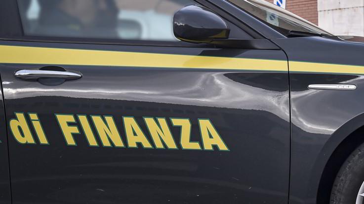 Coronavirus, ancora sciacalli in azione: maxi sequestro di mascherine a Torino