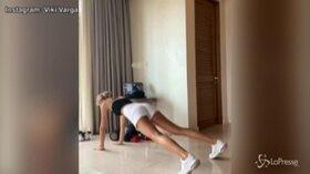 Viki Varga, l'allenamento finisce con un twerking: follower in delirio