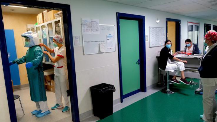 Coronavirus, continua il rallentamento in Italia