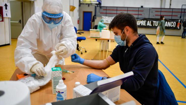 La fine dei contagi in Lombardia e Marche non prima di fine giugno