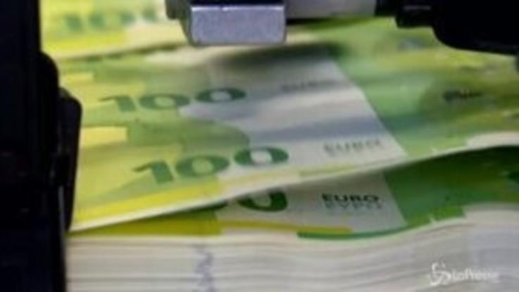 Fitch taglia il rating dell'Italia a BBB-