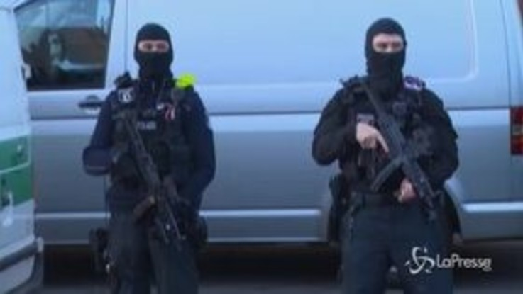 Germania bandisce Hezbollah: irruzione in cinque siti collegati al gruppo