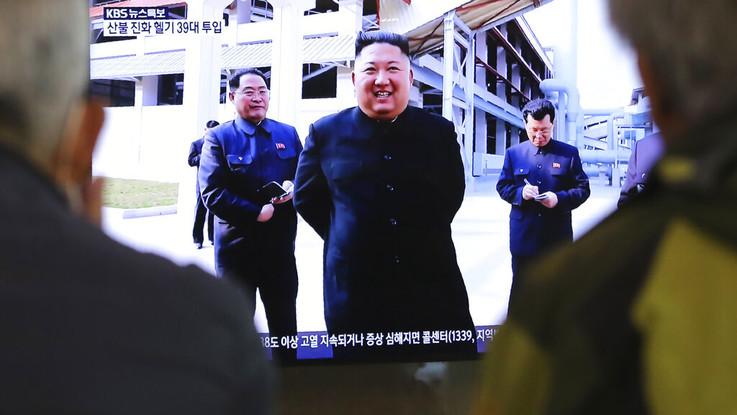Corea del Nord, Kim riappare in pubblico