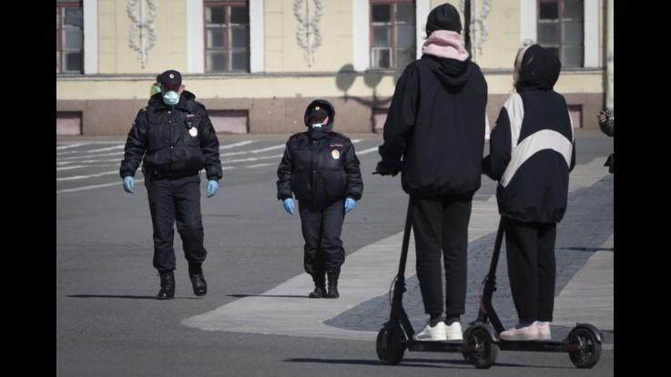 coronavirus, Picco di contagi in Russia, l'UE spinge sul Patto del Vaccino