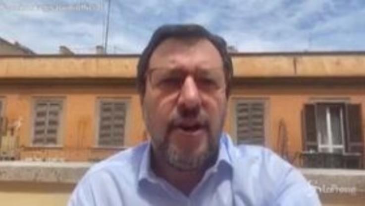 """Coronavirus, Salvini: """"Perché il governo non parla delle cure col plasma?"""""""