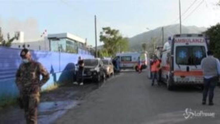 Esplode fabbrica a Napoli, muore operaio 55enne