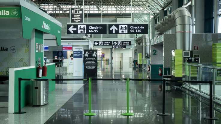 Istat: A marzo crollo trasporto aereo -85%, cancellati 2 voli su 3