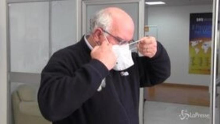 Napoli, il professor Ascierto riceve camici e mascherine dagli imprenditori campani