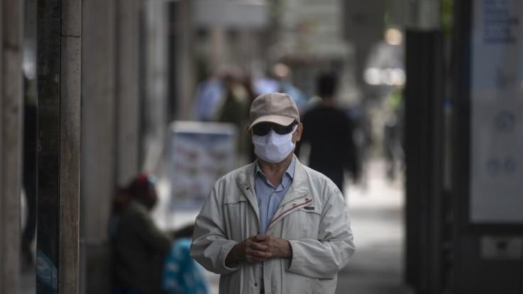 Coronavirus, Madrid spinge per riaperture ma governo spagnolo frena