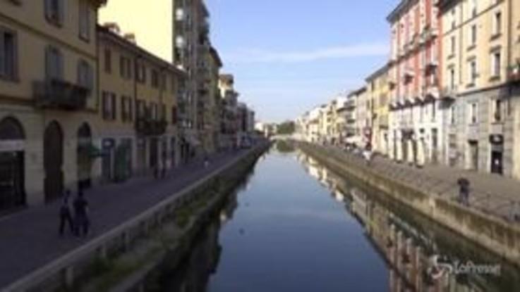Milano, sui Navigli il giorno dopo la movida: controlli a tappeto dei vigili