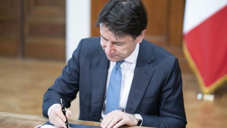 Decreto rilancio, asse M5S-Pd contro condono. Conte rassicura su Cig: Misure semplificate