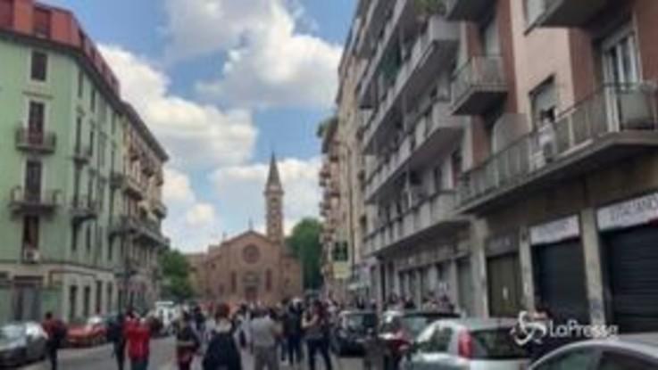 Milano, campane a festa e applausi ai balconi per la liberazione di Silvia Romano