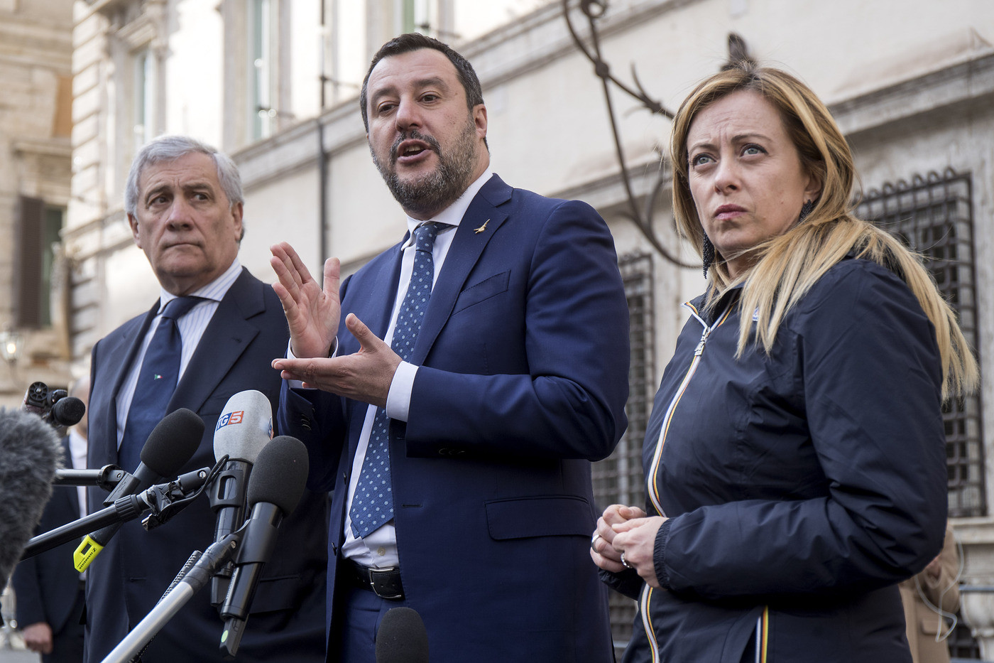 Salvini, mancano risposte su caso Romano. Governo poco sobrio