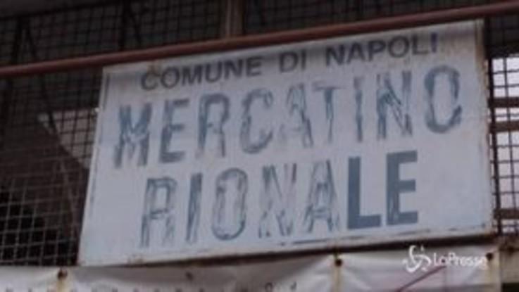"""Fase 2, a Napoli riaprono mercati al coperto. Gli esercenti: """"Piu' controlli che clienti"""""""