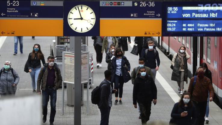 Coronavirus, media: Da sabato Germania allenta controlli alle frontiere