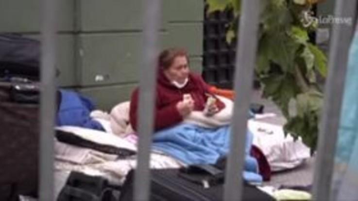 """Cile, venezuelani bloccati a Santiago: """"Vogliamo tornare a casa"""""""