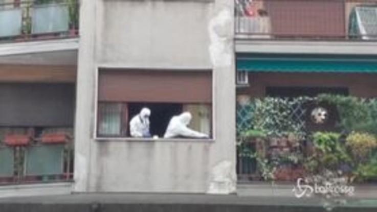 Silvia Romano, vetri contro il palazzo della cooperante