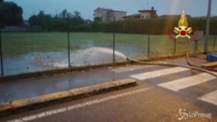 Nubifragio a Milano, tantissimi gli interventi dei vigili del fuoco