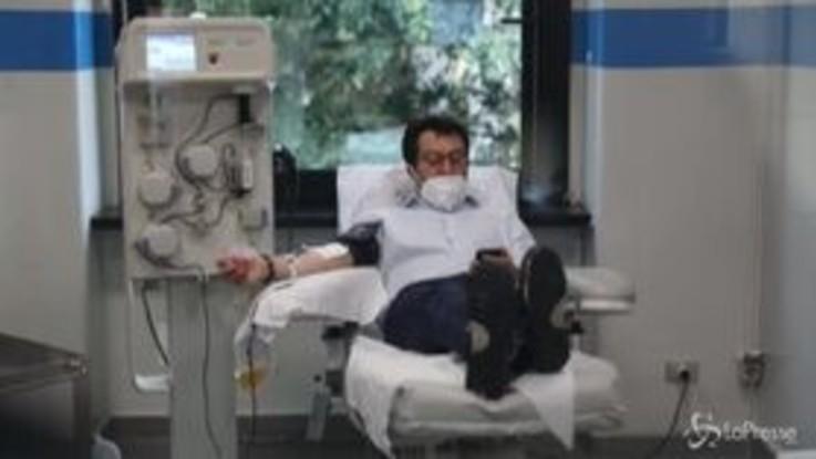 Milano: Salvini dona il plasma all'Avis