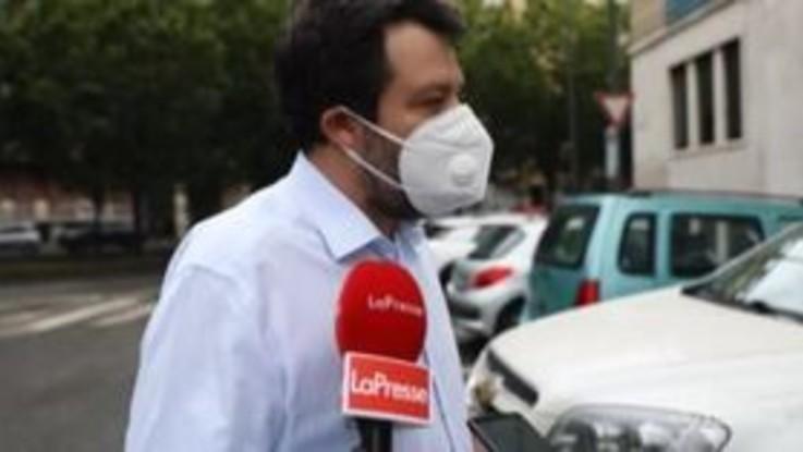 """Salvini: """"Linee guida apertura fanno saltare centinaia di migliaia di posti lavoro"""""""