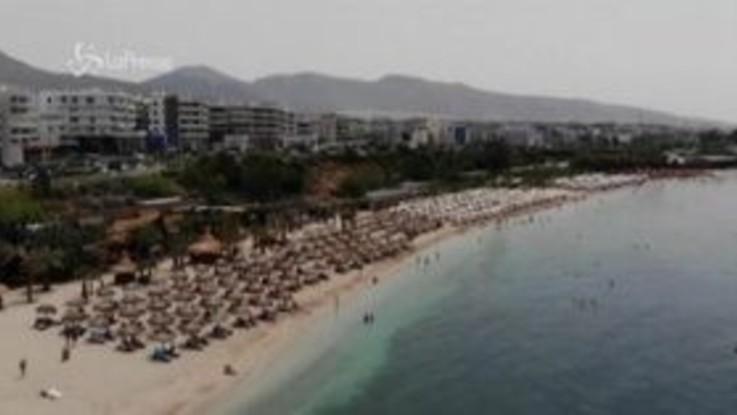 Coronavirus, la Grecia riapre le spiagge