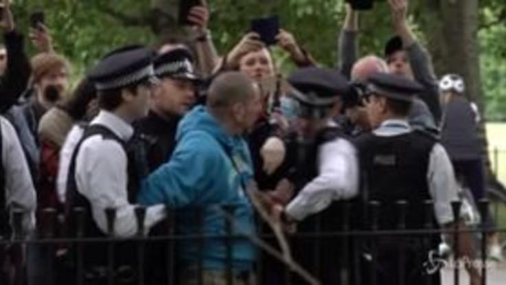 Coronavirus, a Londra proteste contro il lockdown