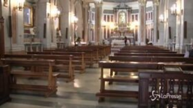 Fase 2, Napoli: i fedeli ritrovano i luoghi di culto
