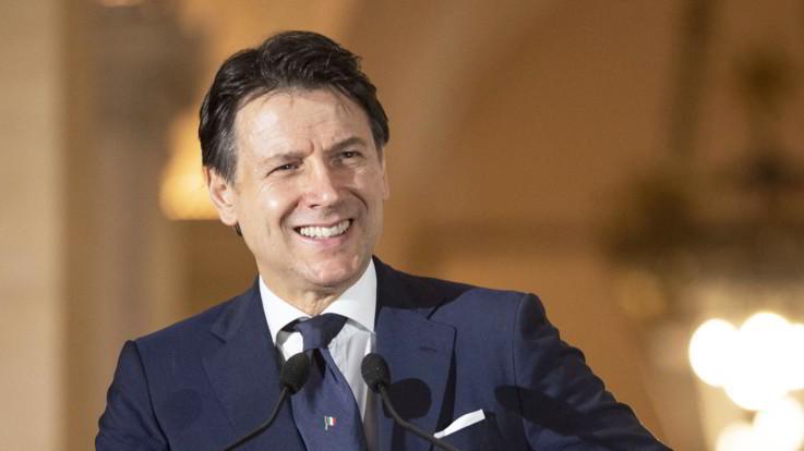 Decreto Rilancio, Mattarella firma. Conte sente Macron: linea comune e ambiziosa