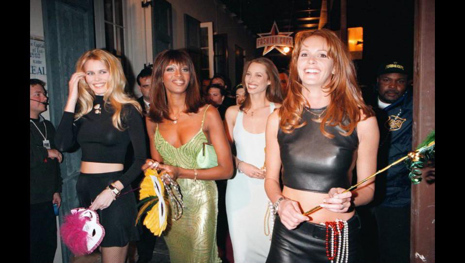 Naomi Campbell con Claudia Schiffer,Christie Turlington e Elle McPherson ©