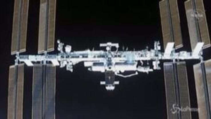 Crew Dragon raggiunge Stazione Spaziale Internazionale, il momento dell'aggancio
