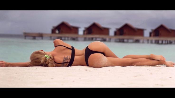 sexy-instagram, Olya Abramovich vola alle Maldive, è sexy swimwear show