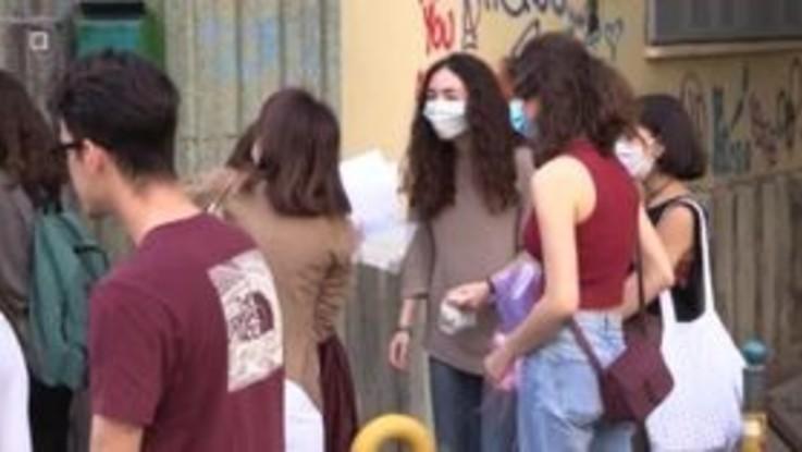 """Napoli, Maturità 2020. I genitori: """"Sconcertante non poterci godere l'esame dei nostri figli"""""""