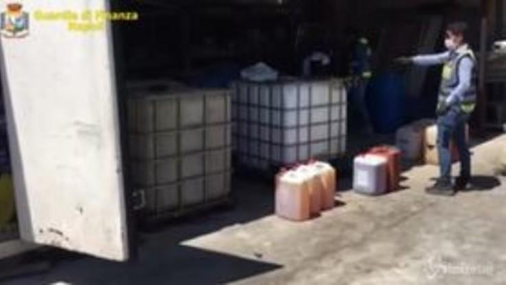 Napoli, distribuzione abusiva di carburanti: 6 denunce