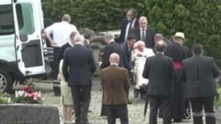 Benedetto XVI in Germania, visita alla tomba di famiglia